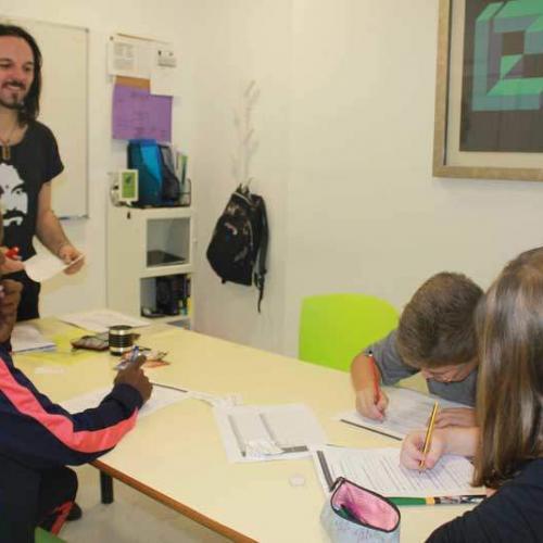 Clase de inglés en Nessie, Academia de inglés de Albacete